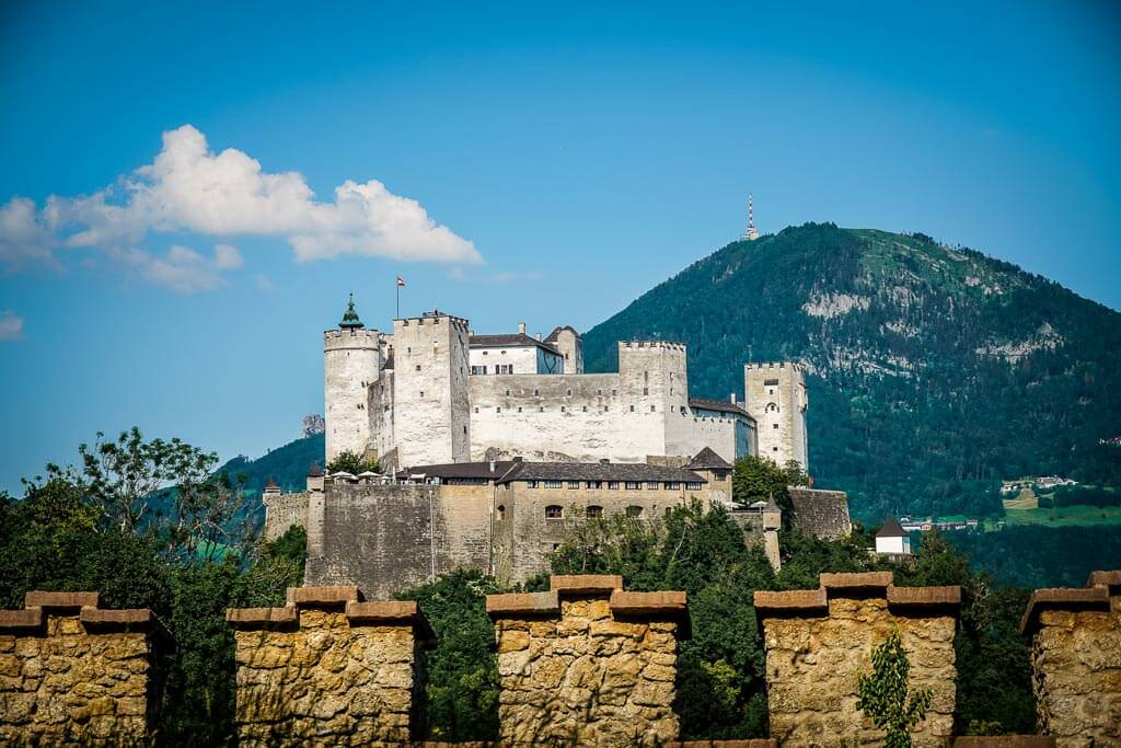 Salzburg wandern zur Richterhöhe am Festungsberg mit Aussicht auf Festung Hohensalzburg und Gaisberg