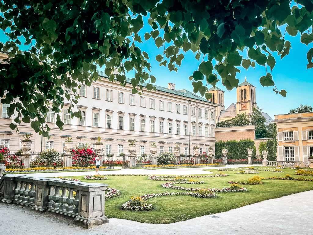 Salzburg wandern im Mirabellgarten von Schloss Mirabell
