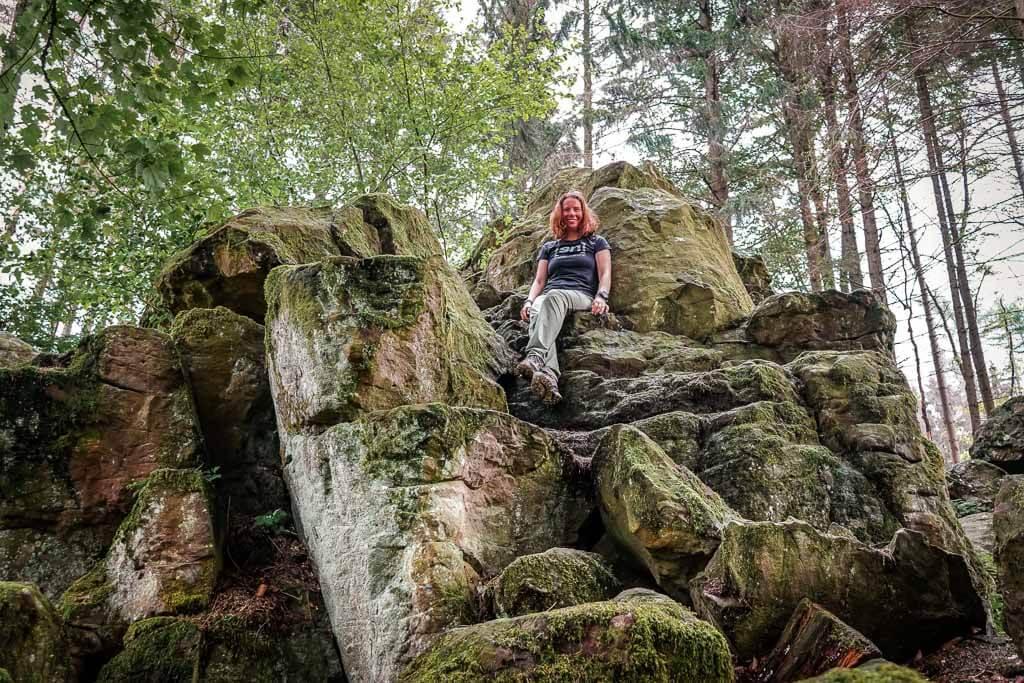 Wandern im Westerwald auf dem Kleinen Wäller Wolfsteine