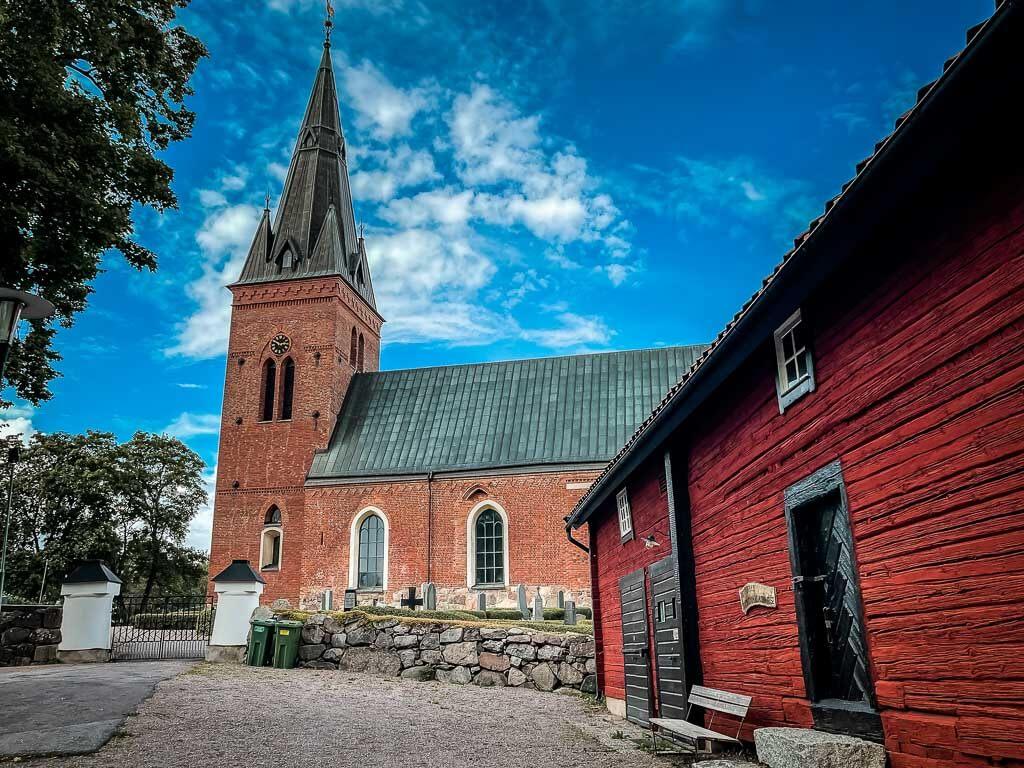 Danmarks Kyrka und Gemeindehaus in Uppsala