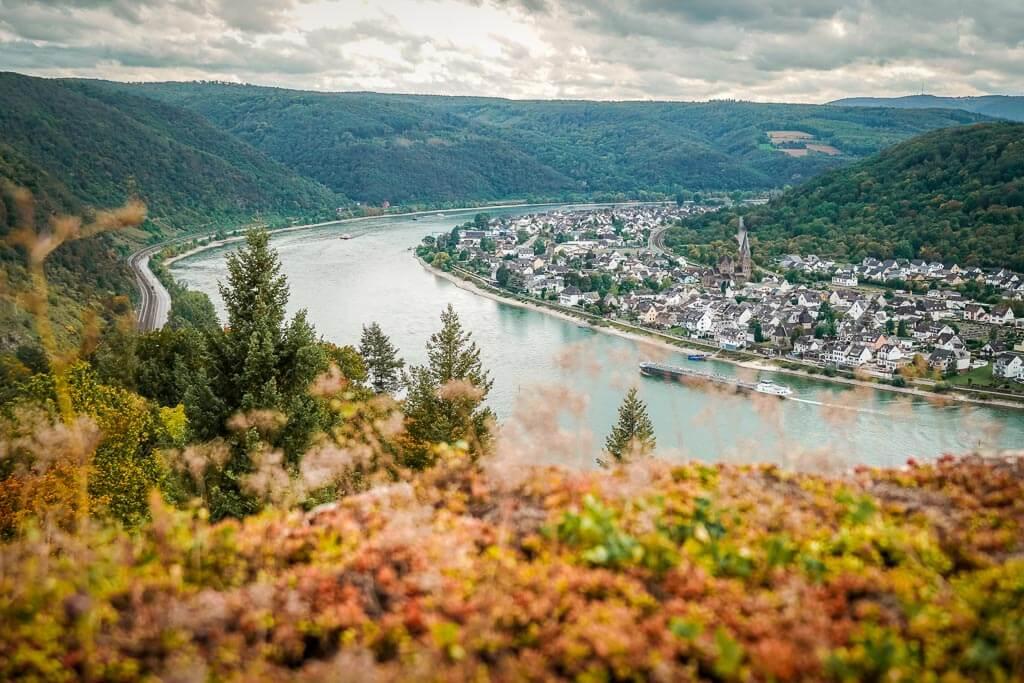 Panoramablick auf den Rhein von der Marksburg im Mittelrheintal