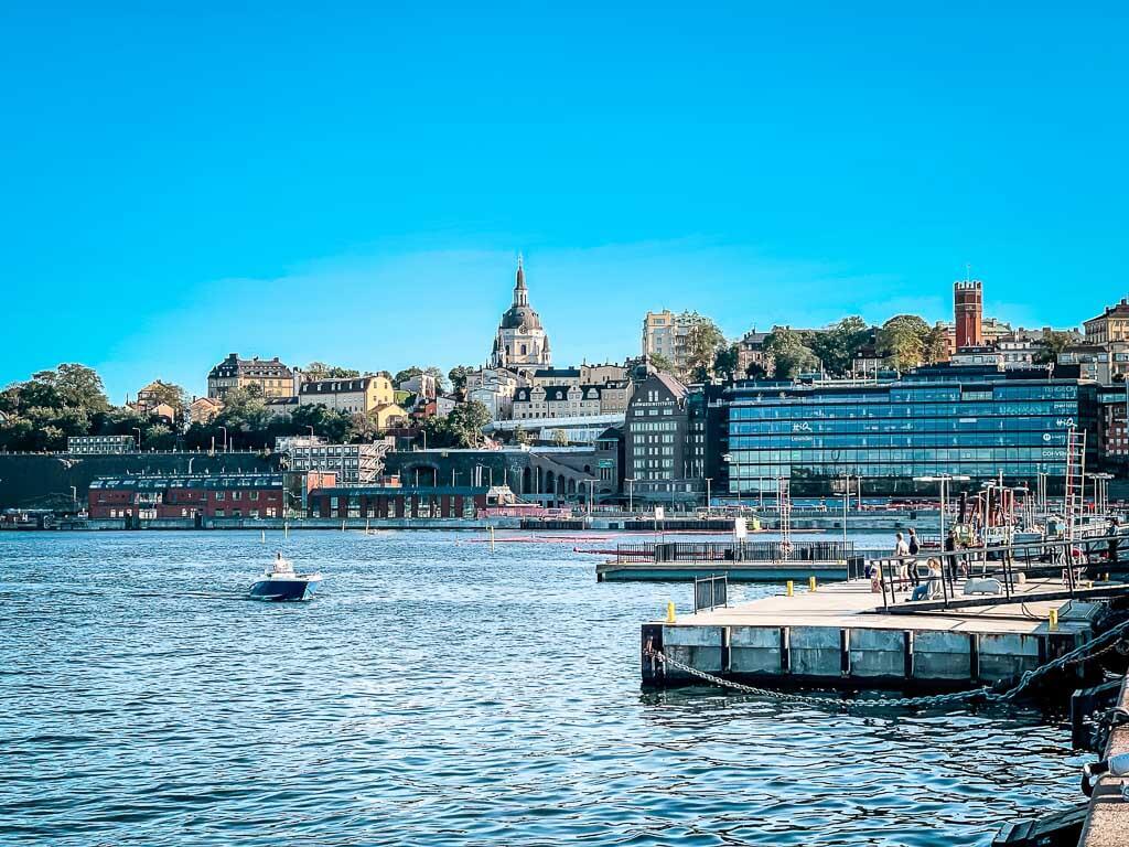 Stockholm Kurztrip Promenade am Wasser mit Blick auf Södermalm