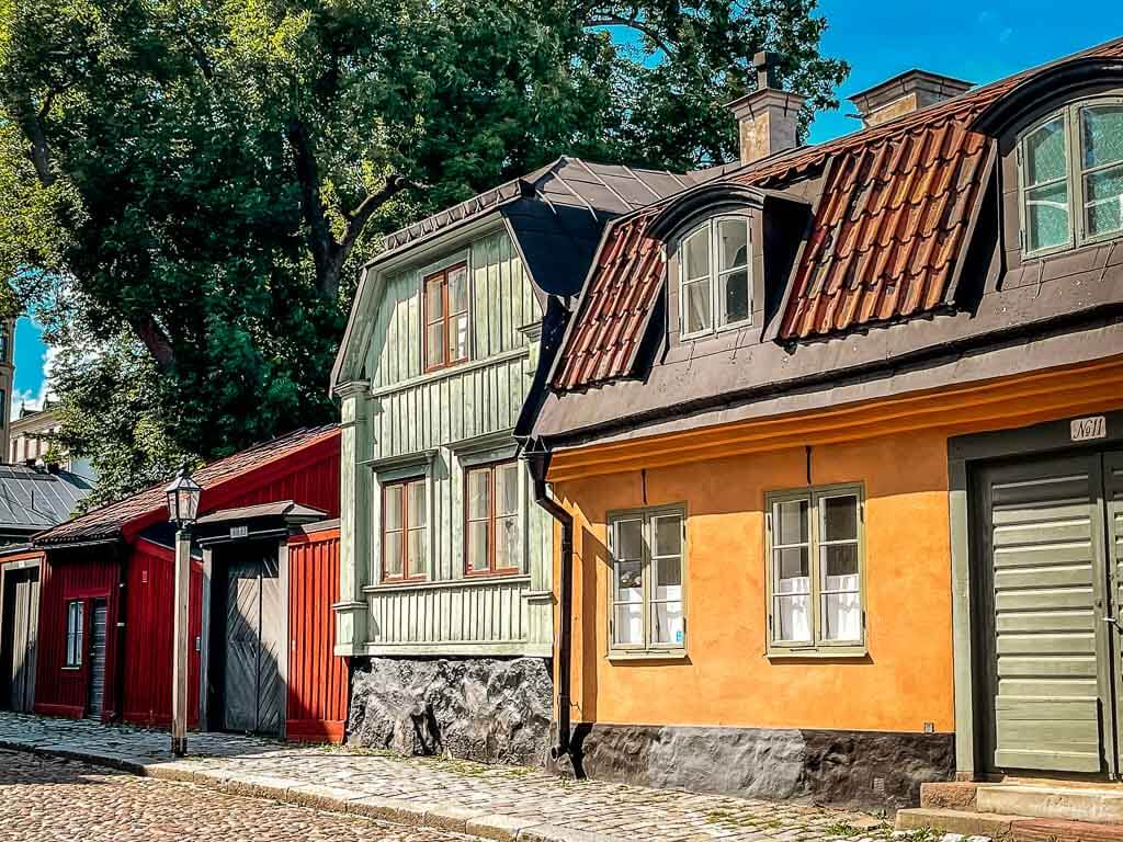 Stockholm Kurztrip Alte Gasse mit historischen Häusern